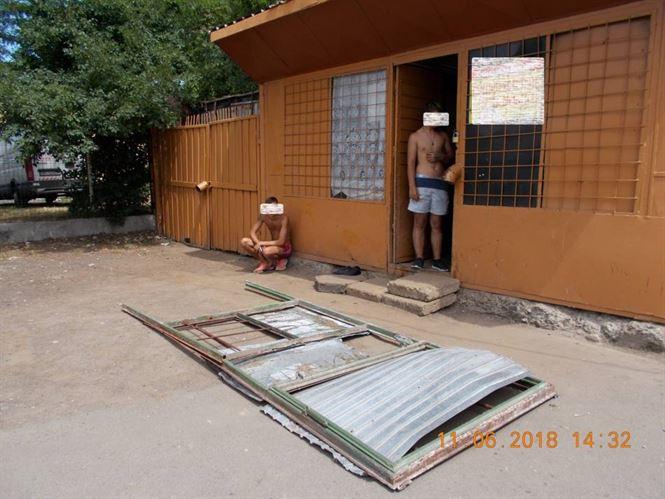 Depistati de politistii locali cu o rama metalica furata de la un Punct Termic din Viziru III