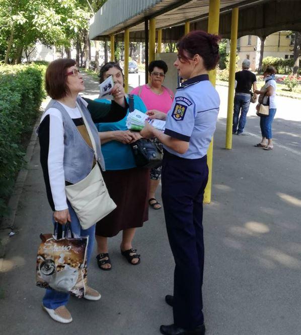 Atentie la genti si portofele in mijloacele de transport in comun