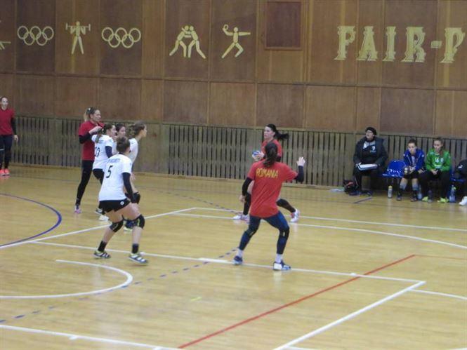 Sâmbătă și duminică avem turneu de handbal feminin în Sala Polivalentă