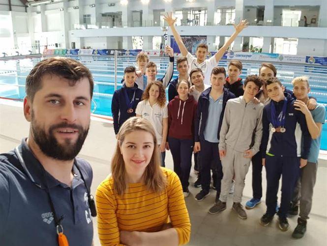 """Salbă de medalii obținute de înotătorii de la CSM Brăila la """"Cupa Contratimp Chindia"""""""