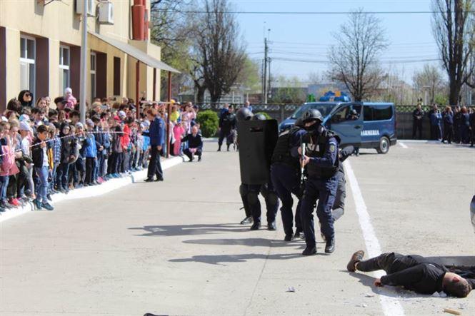 Ziua porților deschise la Jandarmeria Brăila