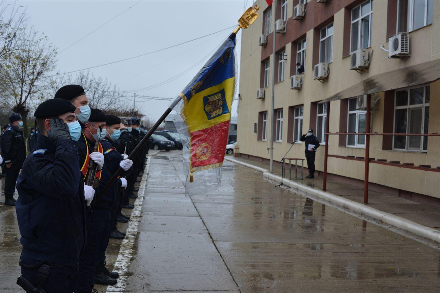 Opt jandarmi au depus Jurământul Militar