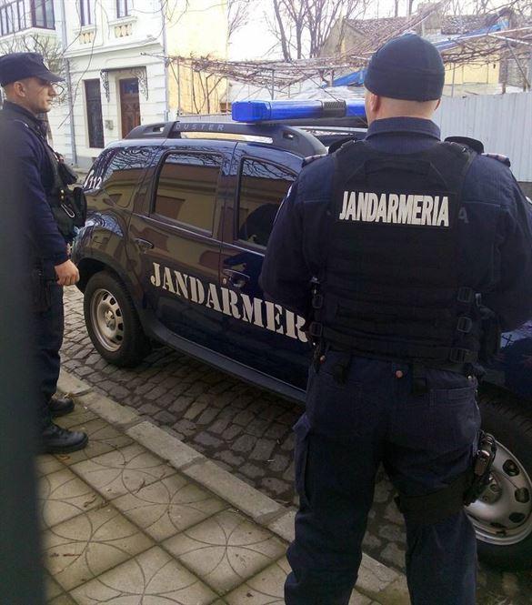Jandarmii brăileni au aplicat duminică 11 sancțiuni unor brăileni care consumau băuturi alcoolice în stradă sau care deranjau vecinii cu muzica dată la maxim