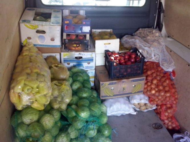 Legume și fructe fără documente de proveniență confiscate de polițiști