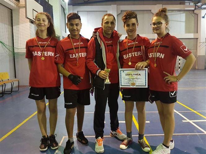 Echipa Școlii Berteștii de Jos a câștigat a treia oară consecutiv campionatul județean de badminton