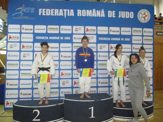Andreea Marinescu locul 3 la naționalele de judo U18