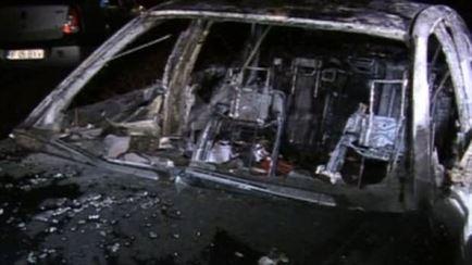 In urma unui conflict verbal, a incendiat masina barbatului care-l gazduia