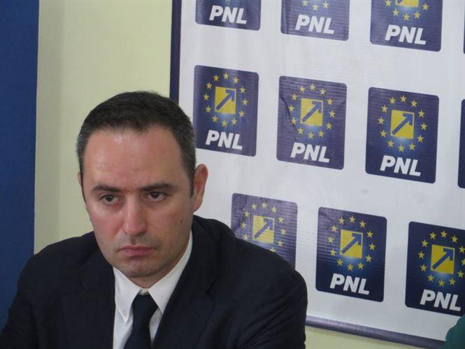 Nazare cere desecretizarea memorandumului privind pierderea banilor europeni pentru autostrazi