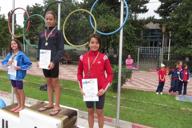 Prima medalie obtinuta de sportivii braileni la nationalele de natatie