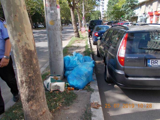 Amenzi ale Poliției Locale pentru aruncarea gunoiului pe domeniul public