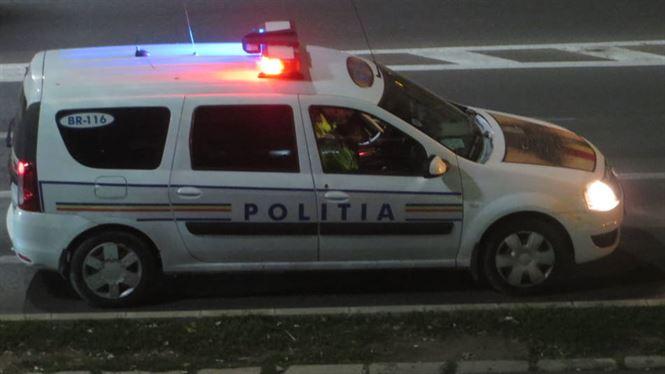 Aproape de ora 2 din noapte, polițiștii au depistat la volan un șofer băut și o șoferiță cu permisul suspendat