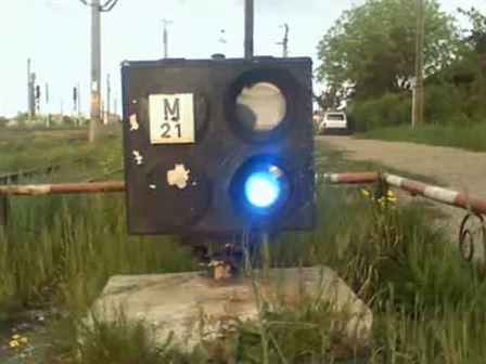 Dosare penale pentru doi minori care au distrus semnalele luminoase din zona triajului C.F. Brăila