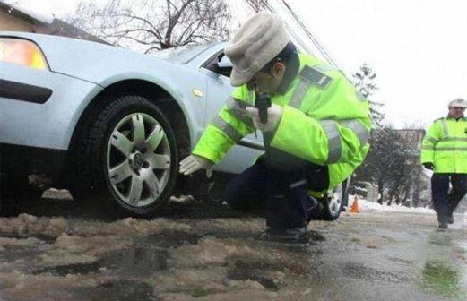 Recomandări ale polițiștilor pentru circulația pe timp de iarnă