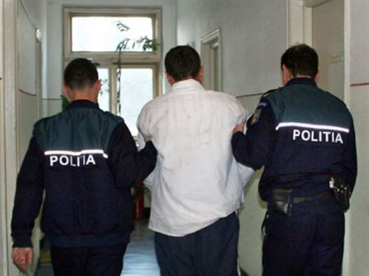 Urmărit la nivel național depistat de polițiști și încarcerat