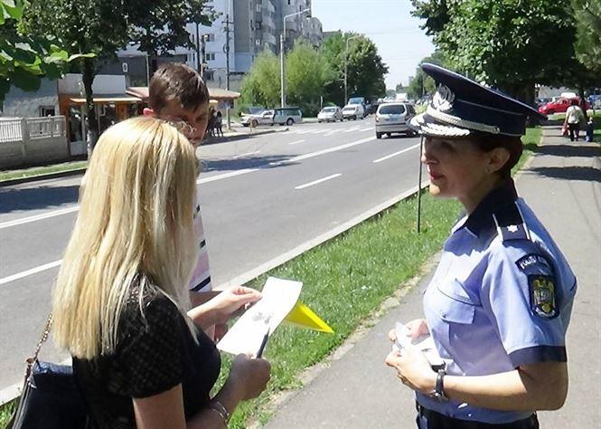 Mesaje adresate femeilor de catre politistii braileni
