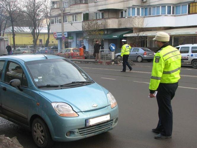 Dacă e vineri, poliţiştii vorbesc participanţilor la trafic