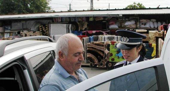 Poliţiştii vă sfătuiesc cum să preveniți furtul de componente exterioare ale autovehiculelor