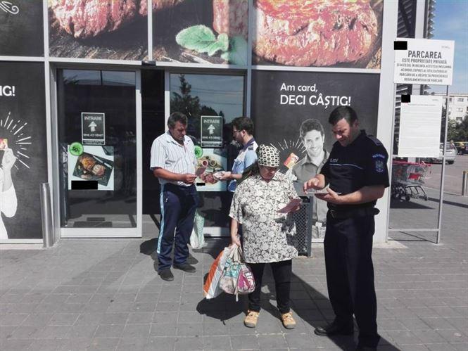 Poliţiştii vorbesc persoanelor vârstnice