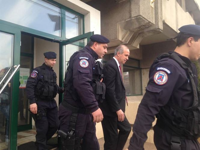 Simionescu si Anghelescu retinuti pentru 24 de ore