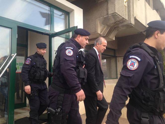 Mandate de arestare pentru 30 de zile pentru Simionescu si Anghelescu