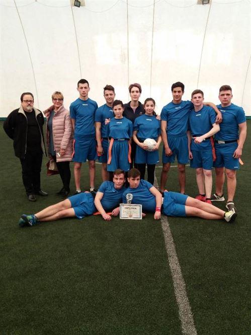 Echipa Liceului Anghel Saligny s-a calificat la faza zonală a ONSS la rugby-tag licee