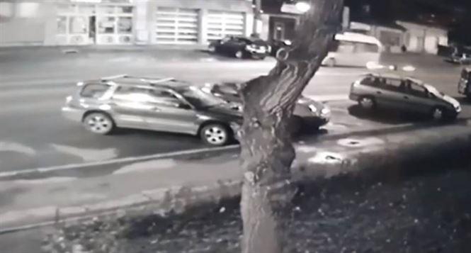 Unui autobuz Braicar i-a sărit o roată în timpul mersului