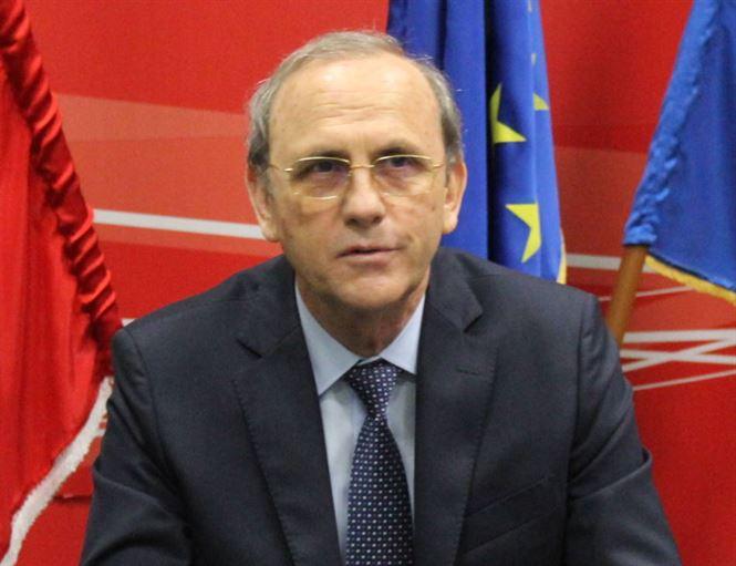 Ion Rotaru: Guvernul lui Iohannis, neputincios, incompetent și  corupt, taie salarii, pensii, alocații, vouchere de vacanță, tichete de transport gratuit pentru studenți