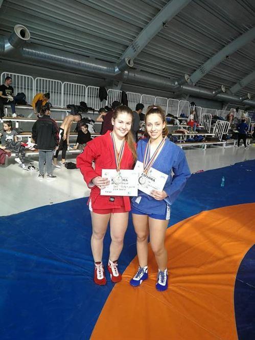 Teodora Naidin si Catalina Varvaruc, selectionate in lotul national de junioare la sambo