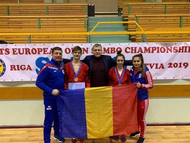 Două medalii de bronz pentru sportivii brăileni la europenele de sambo