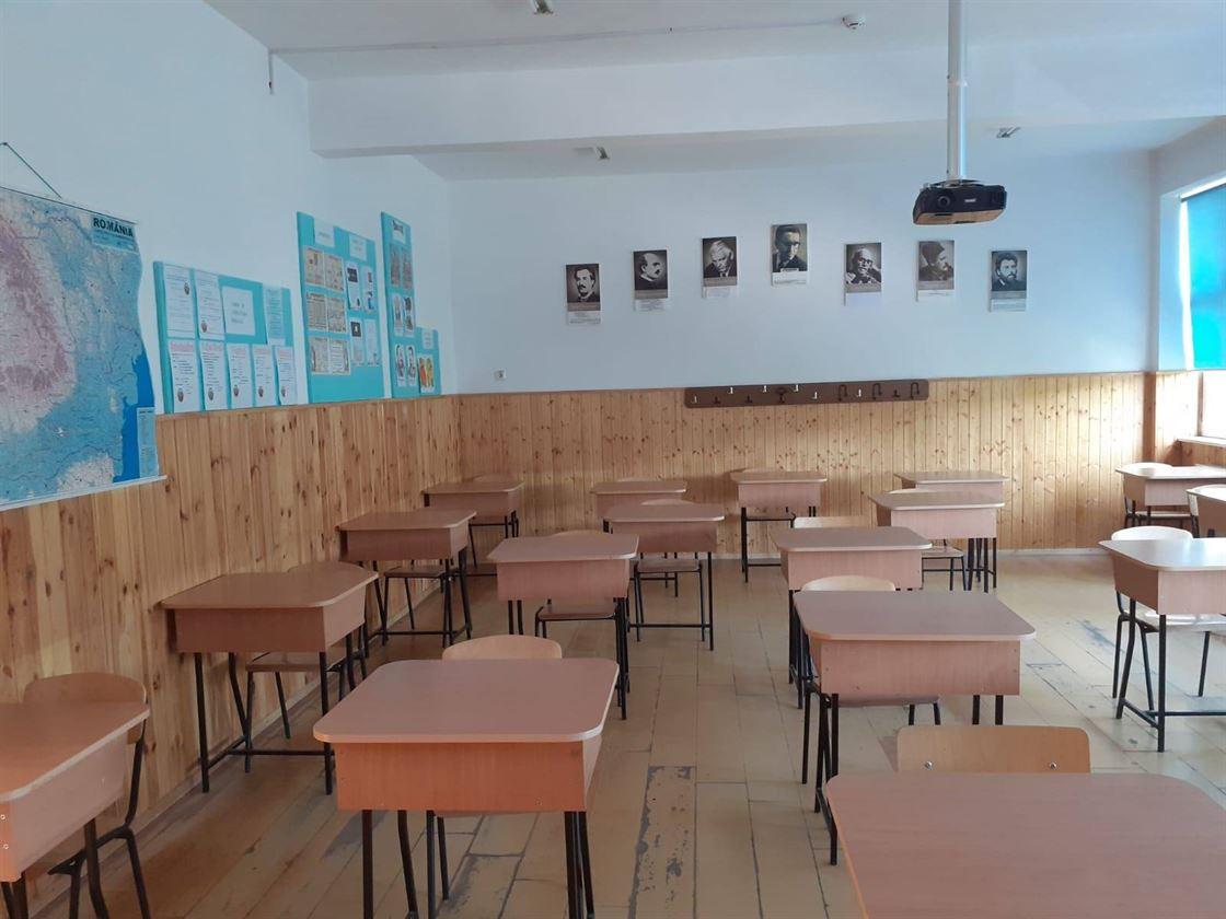 Școlile rămân în regim de învățământ online cel puțin până pe 8 februarie