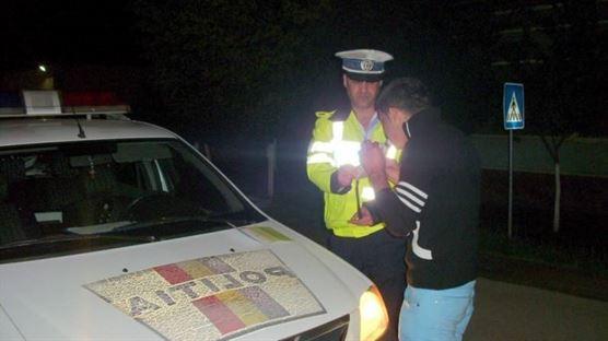 Șofer aghesmuit depistat de polițiști la volan