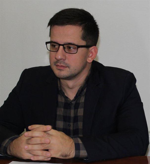 Candidatul independent Adrian Tabarac îi răspunde candidatului PNL Alexandru Popa