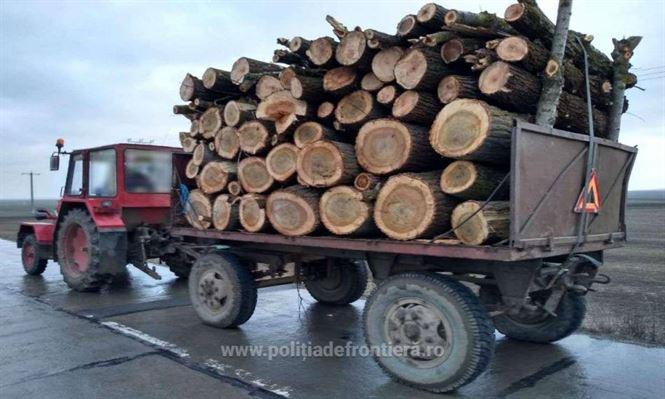 Tractor cu remorcă neînmatriculată, depistat în trafic de polițiștii de frontieră brăileni