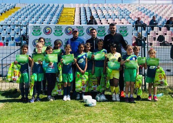 Fetele de la scoala Ramnicelu greu de invins la turneele regionale de fotbal